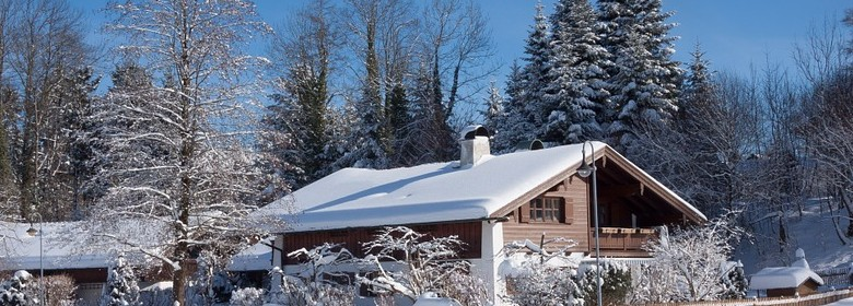 Check out these winter roofing damage protection tips!